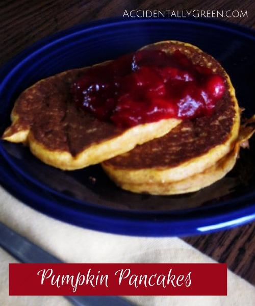 Pumpkin Pancakes {AccidentallyGreen.com}