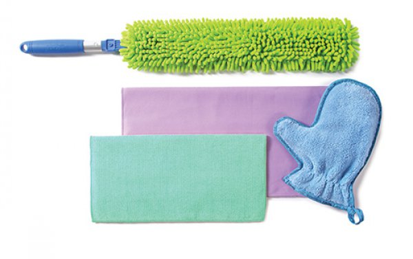 Safely Clean on a Budget {AccidentallyGreen.com}